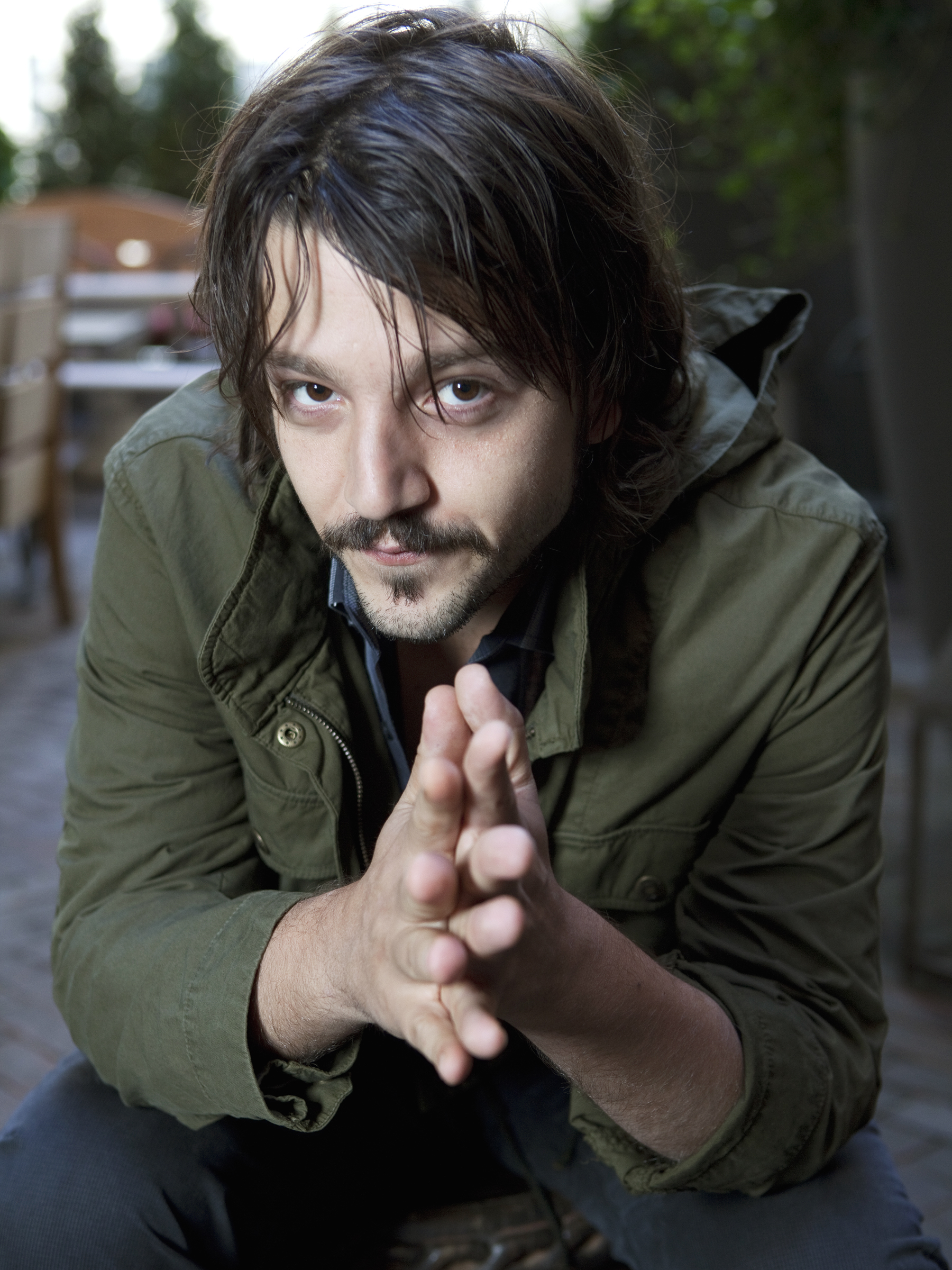Diego Luna - Wallpaper Gallery